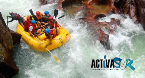 ¡Escápate y diviértete en plena naturaleza! Rafting por el Río Genil para 2 personas