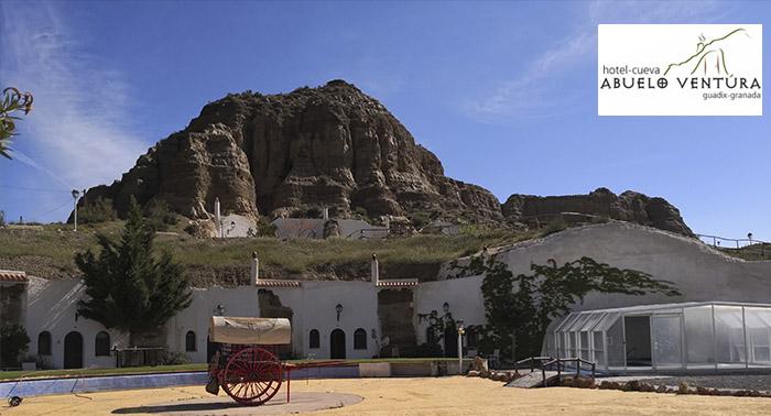 ¡Refréscate en un Hotel Cueva! Alojamiento Cueva en Guadix + Detalle Bienvenida