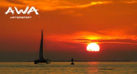 Para 2 o 4 personas: Excursión en Catamarán durante 1h + Reportaje Fotográfico en Motril