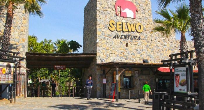 ¡Escapada a la Costa del Sol! 1 ó 2 Noches en Flatotel + Selwo Aventura y Marina + Teleférico